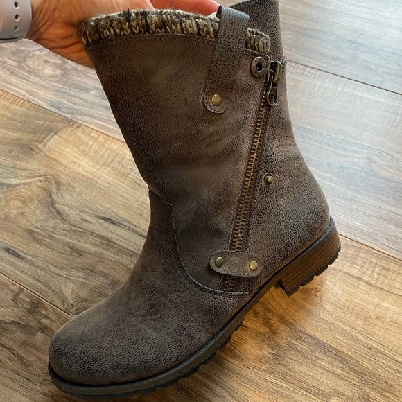LIKE NEW Brown Rustic Bootie 8.5